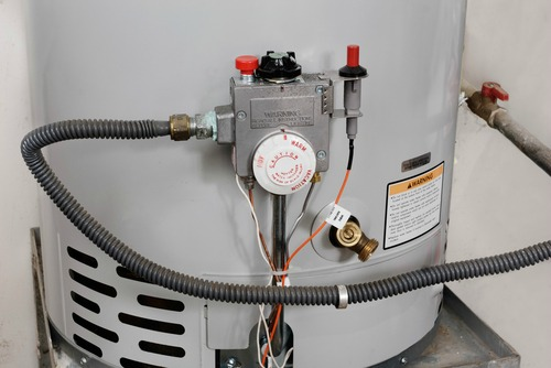 6 Common Causes of a Leaking Water Heater